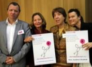 Olga, Sylvie, Abdré et Sandrine avec le trophée